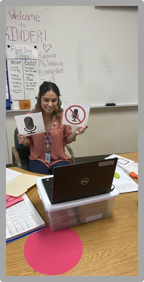 Bastrop ISD teacher working with students virtually