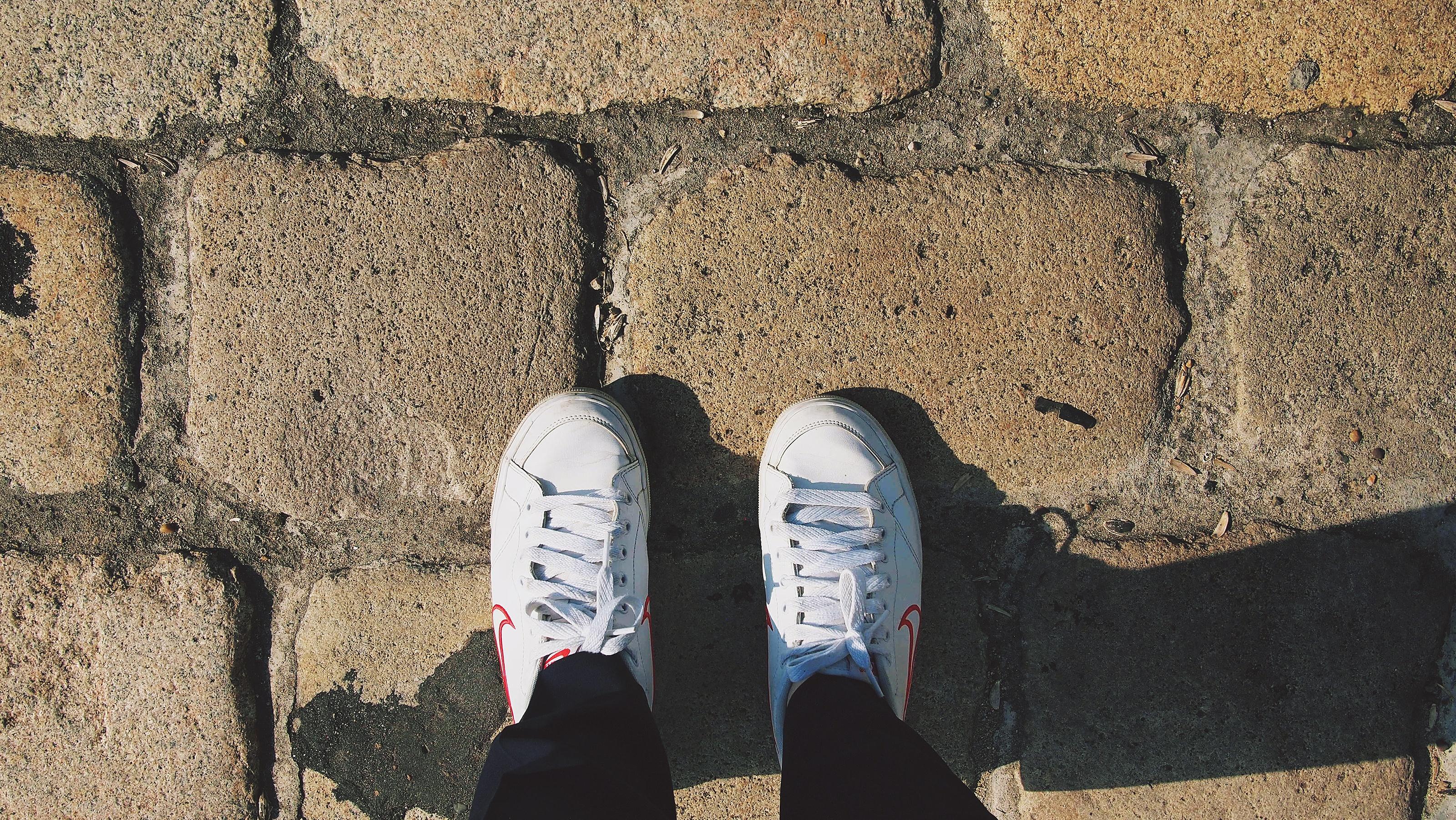 walking_shoes